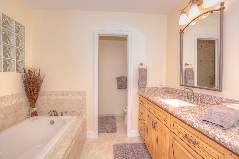 5600 Foxcross Place, Stuart, Florida 34997, 2 Bedrooms Bedrooms, ,2 BathroomsBathrooms,A,Condominium,Foxcross,RX-10482648