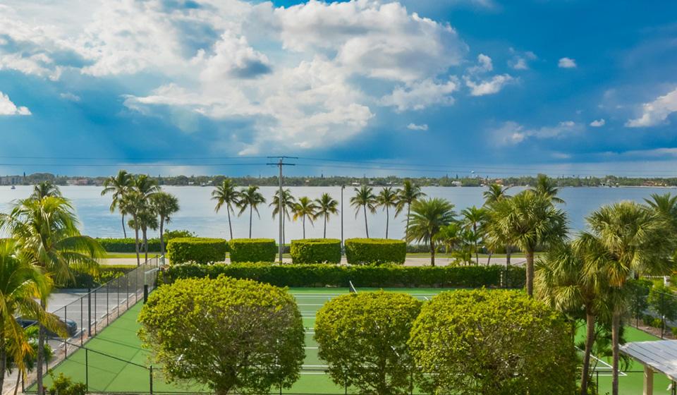 Meridian Of Palm Beach Condo 3300 S Ocean Boulevard
