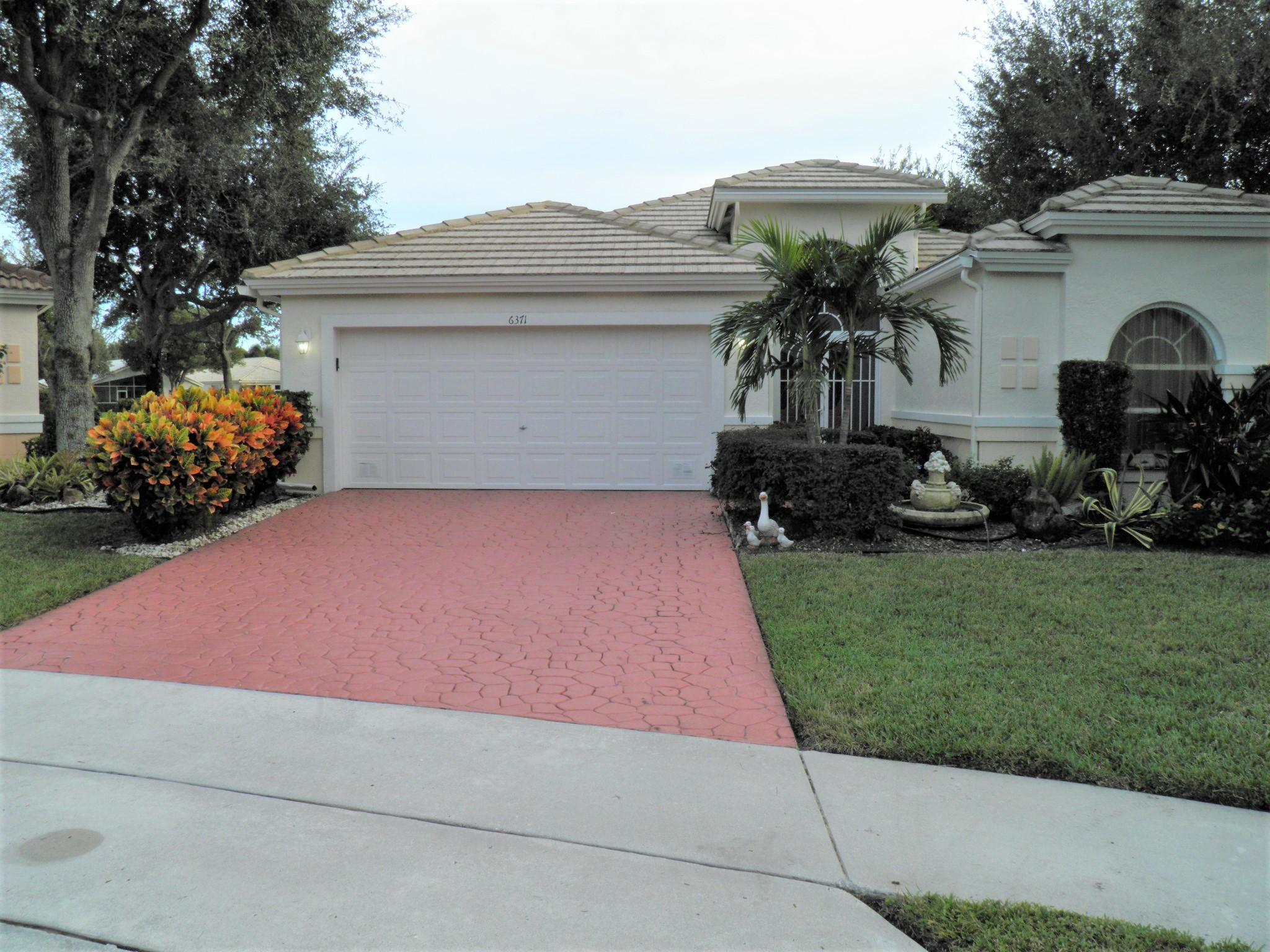 CORAL LAKES III/REGENCY COVE NORTH home 6371 Reflection Point Circle Boynton Beach FL 33437