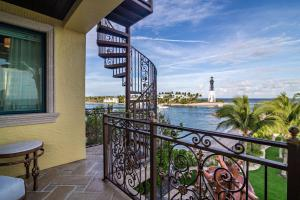 2306  Bay Drive , Pompano Beach FL 33062 is listed for sale as MLS Listing RX-10485650 photo #41
