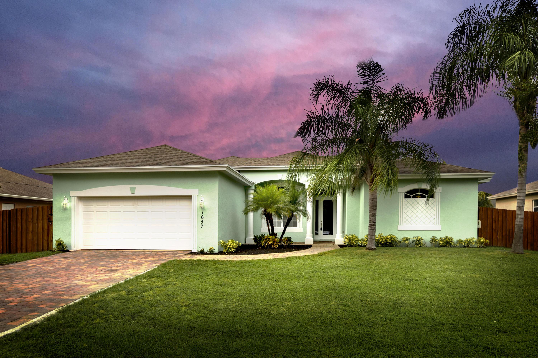 1657 SW Mackey Avenue, Port Saint Lucie, Florida