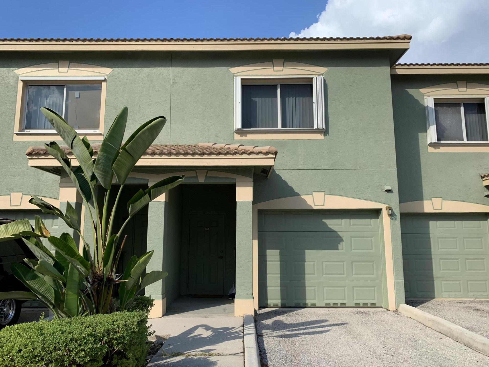 210 Crestwood Circle 205 Royal Palm Beach, FL 33411