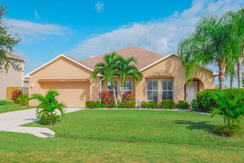 5833 NW Drill Court  Port Saint Lucie FL 34986
