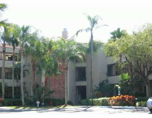 7508 La Paz Boulevard 208  Boca Raton FL 33433