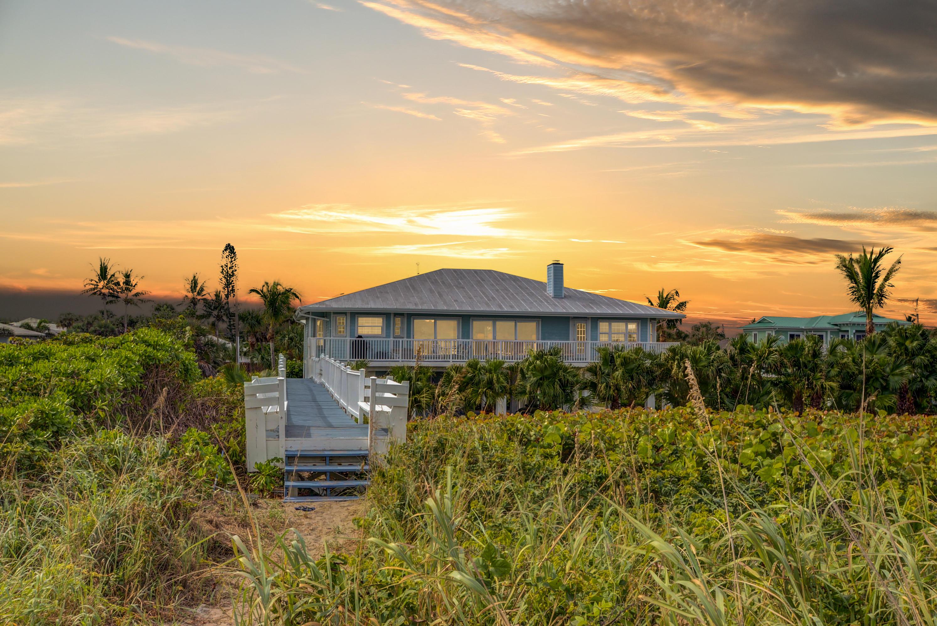 HUTCHINSON ISLAND HOMES