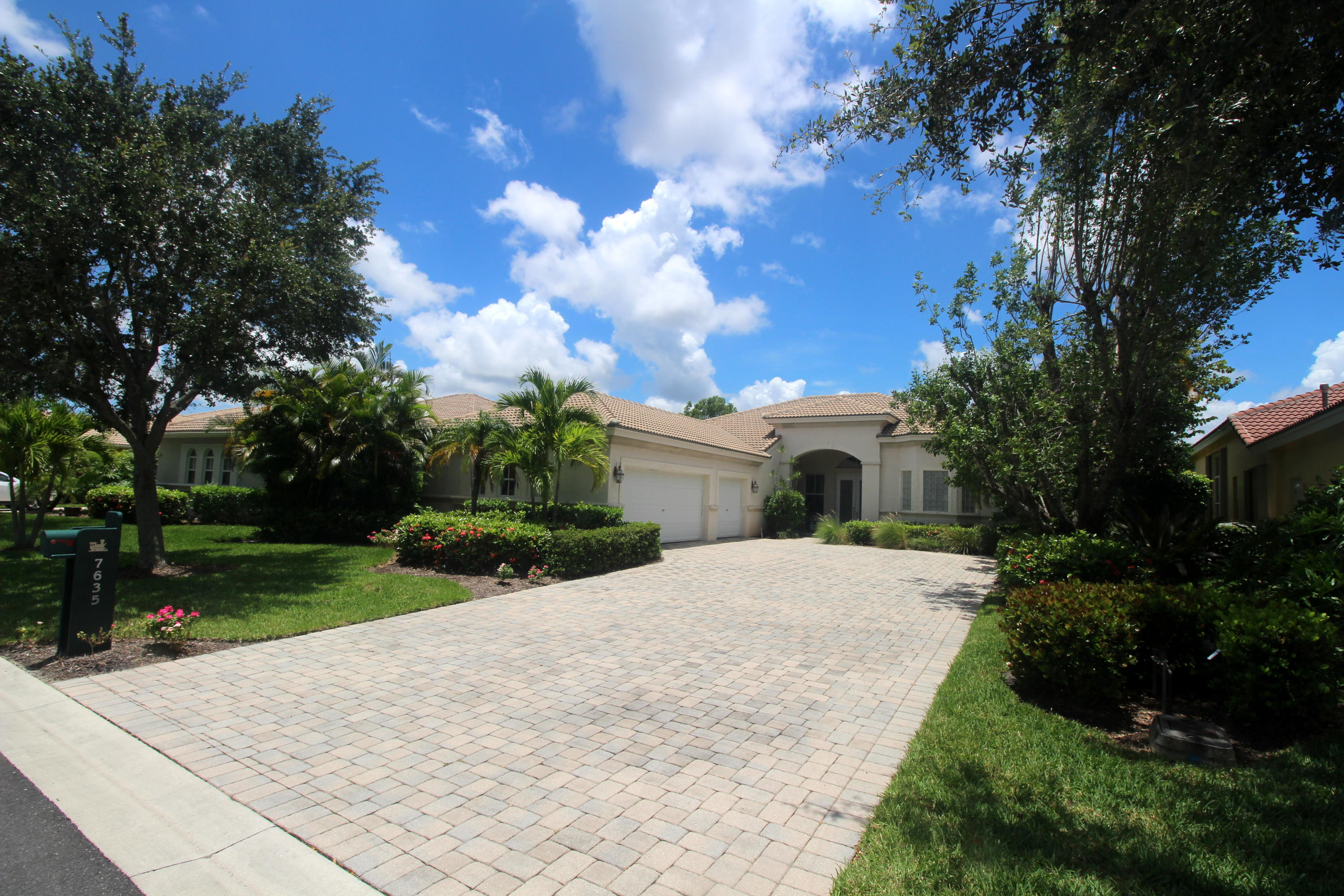 7635 Ironhorse Boulevard, West Palm Beach, Florida 33412, 3 Bedrooms Bedrooms, ,2.1 BathroomsBathrooms,A,Single family,Ironhorse,RX-10483522