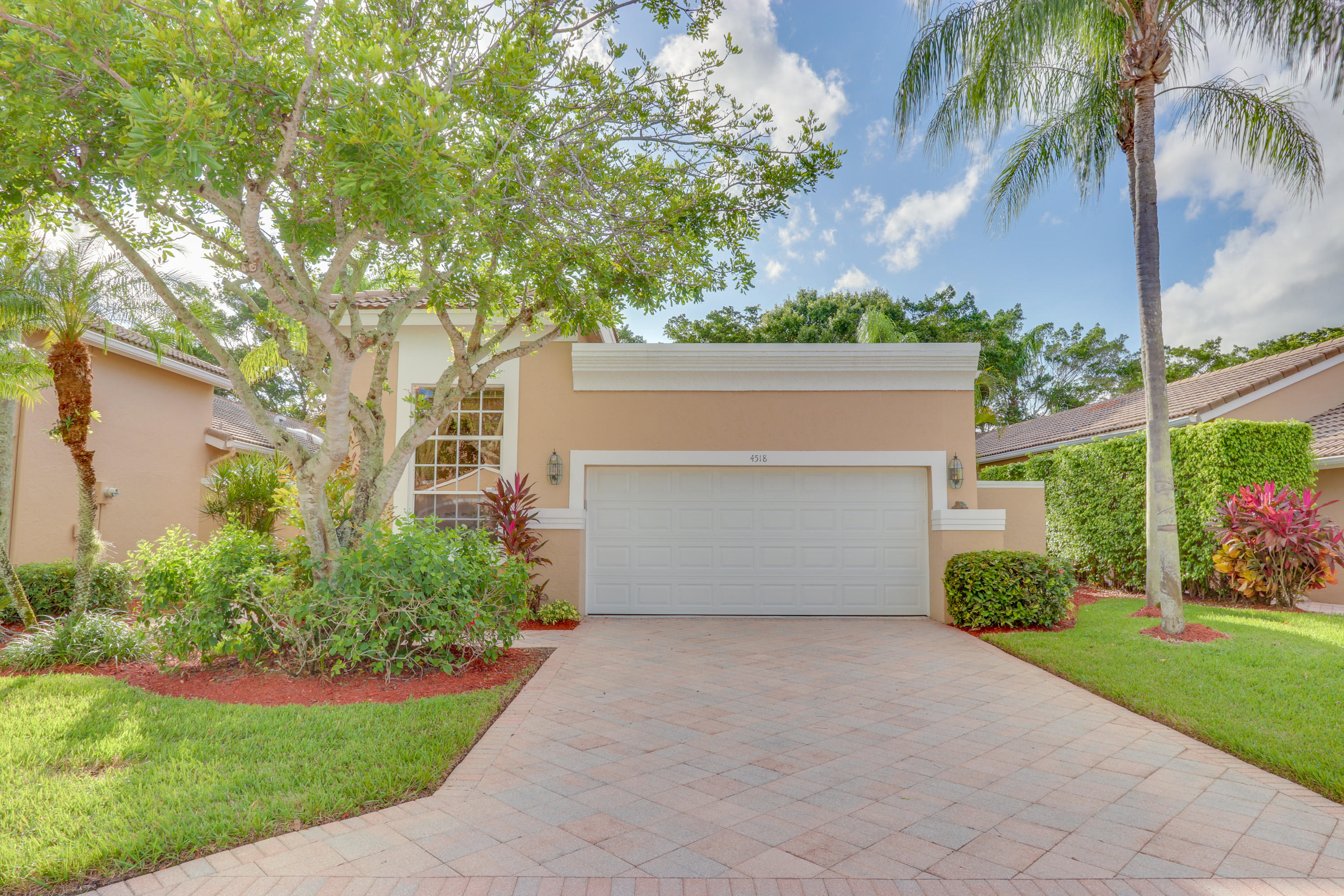 4518 Carlton Golf Drive Wellington, FL 33449