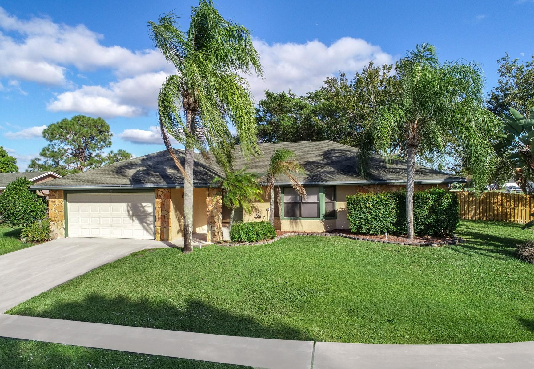 226 Cordoba Circle Royal Palm Beach, FL 33411