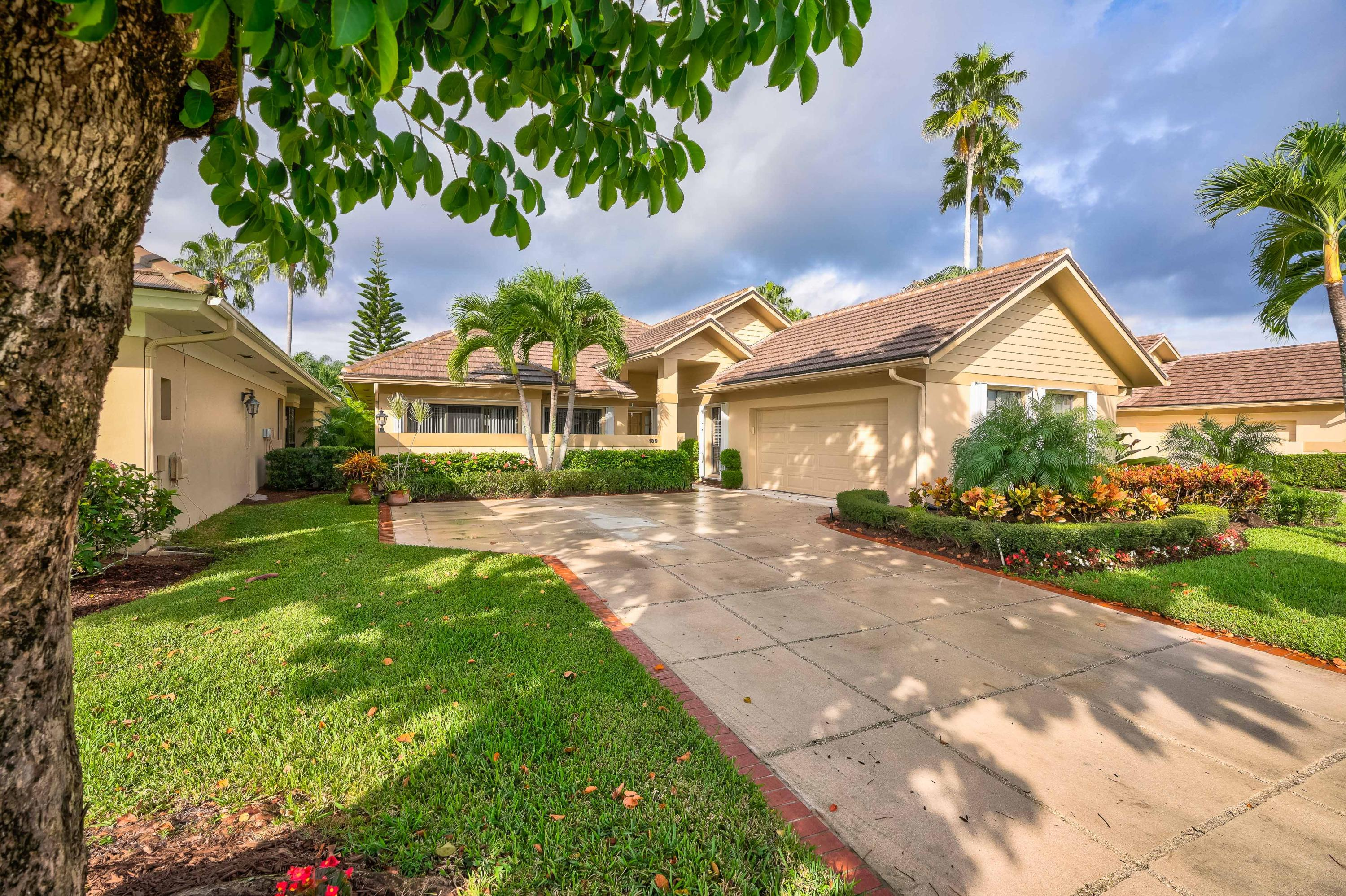 139 Coventry Place, Palm Beach Gardens, Florida 33418, 3 Bedrooms Bedrooms, ,2 BathroomsBathrooms,A,Single family,Coventry,RX-10480894
