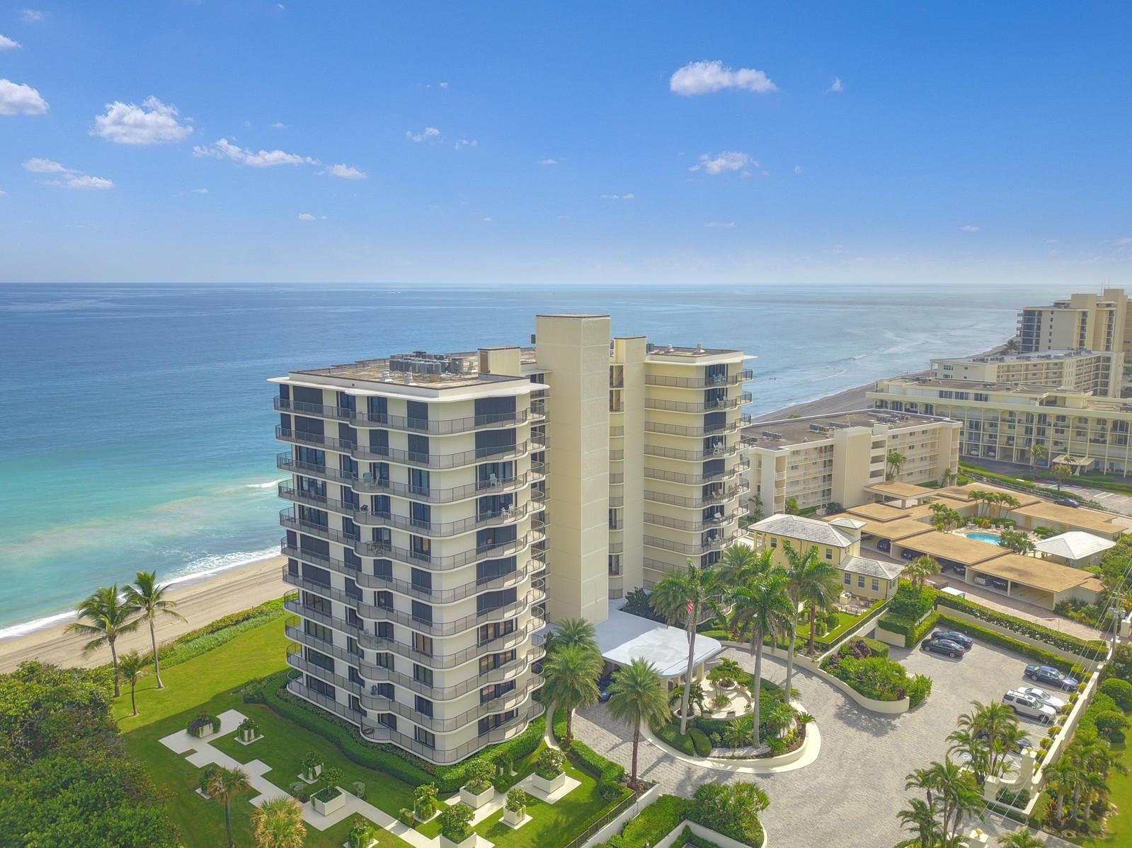 400 Beach Road 304, Tequesta, Florida 33469, 3 Bedrooms Bedrooms, ,2 BathroomsBathrooms,A,Condominium,Beach,RX-10482896