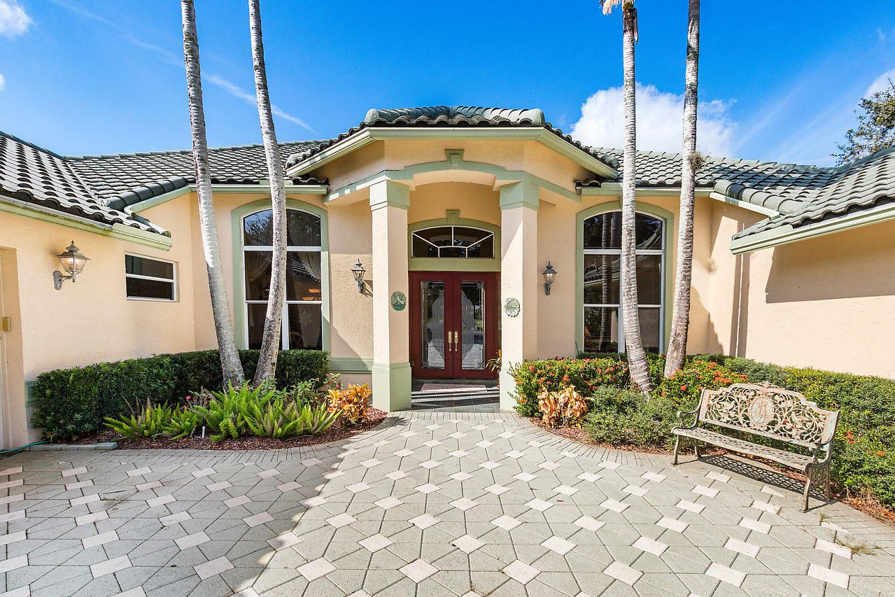 8219 Lakeview Drive West Palm Beach, FL 33412 photo 4