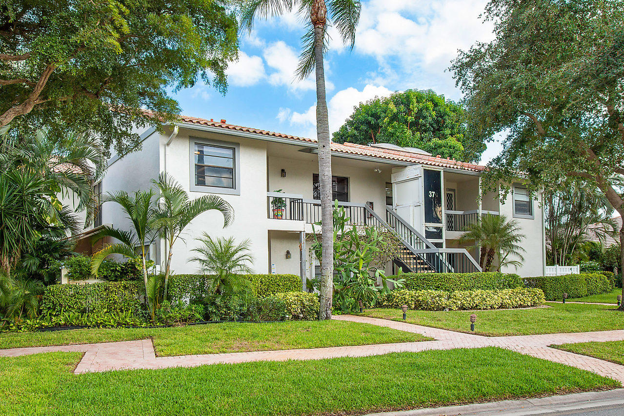 37 Bristol Lane B Boynton Beach, FL 33436