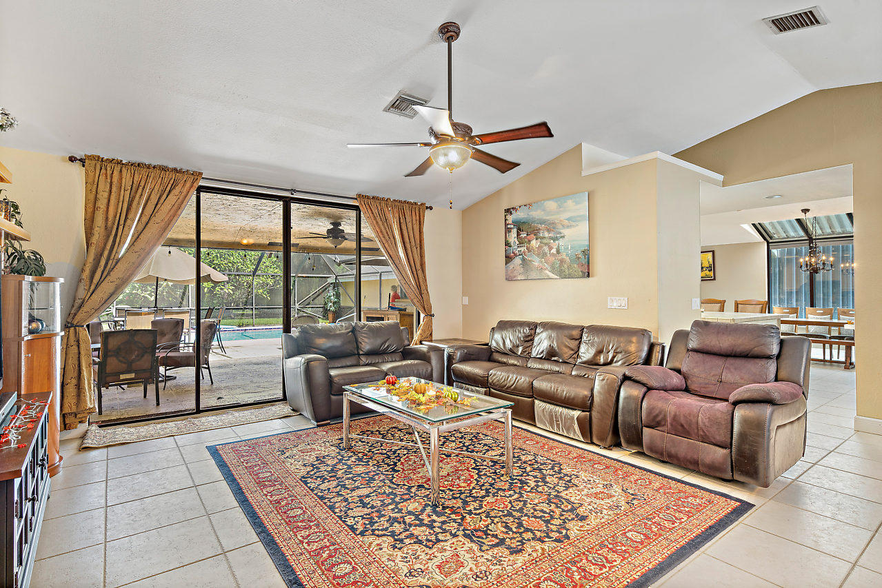 93 Pacer Circle Wellington, FL 33414 photo 6