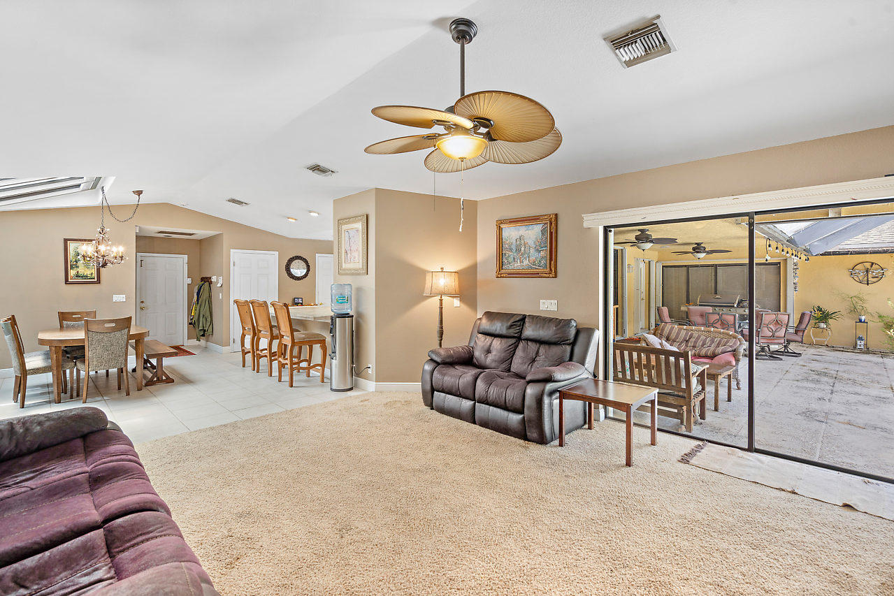 93 Pacer Circle Wellington, FL 33414 photo 10