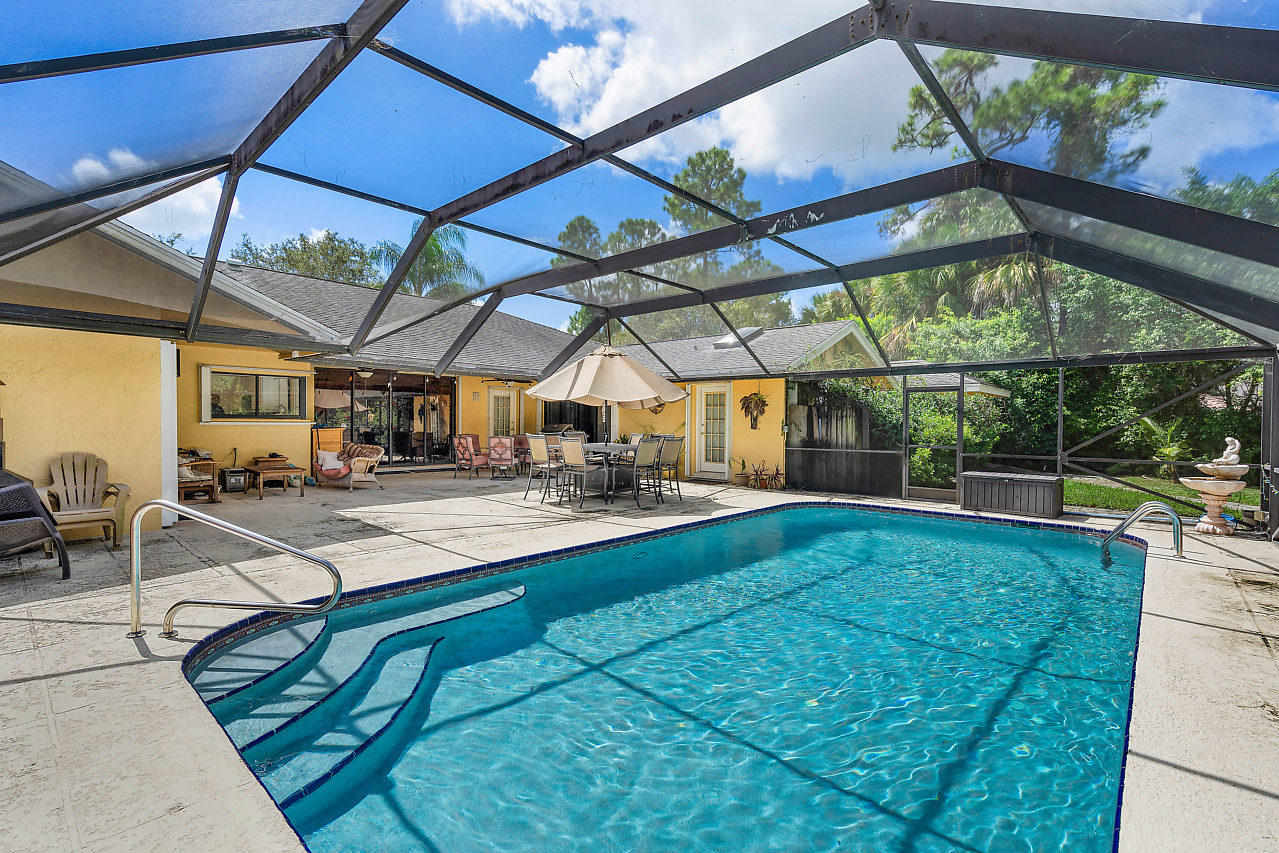 93 Pacer Circle Wellington, FL 33414 photo 1