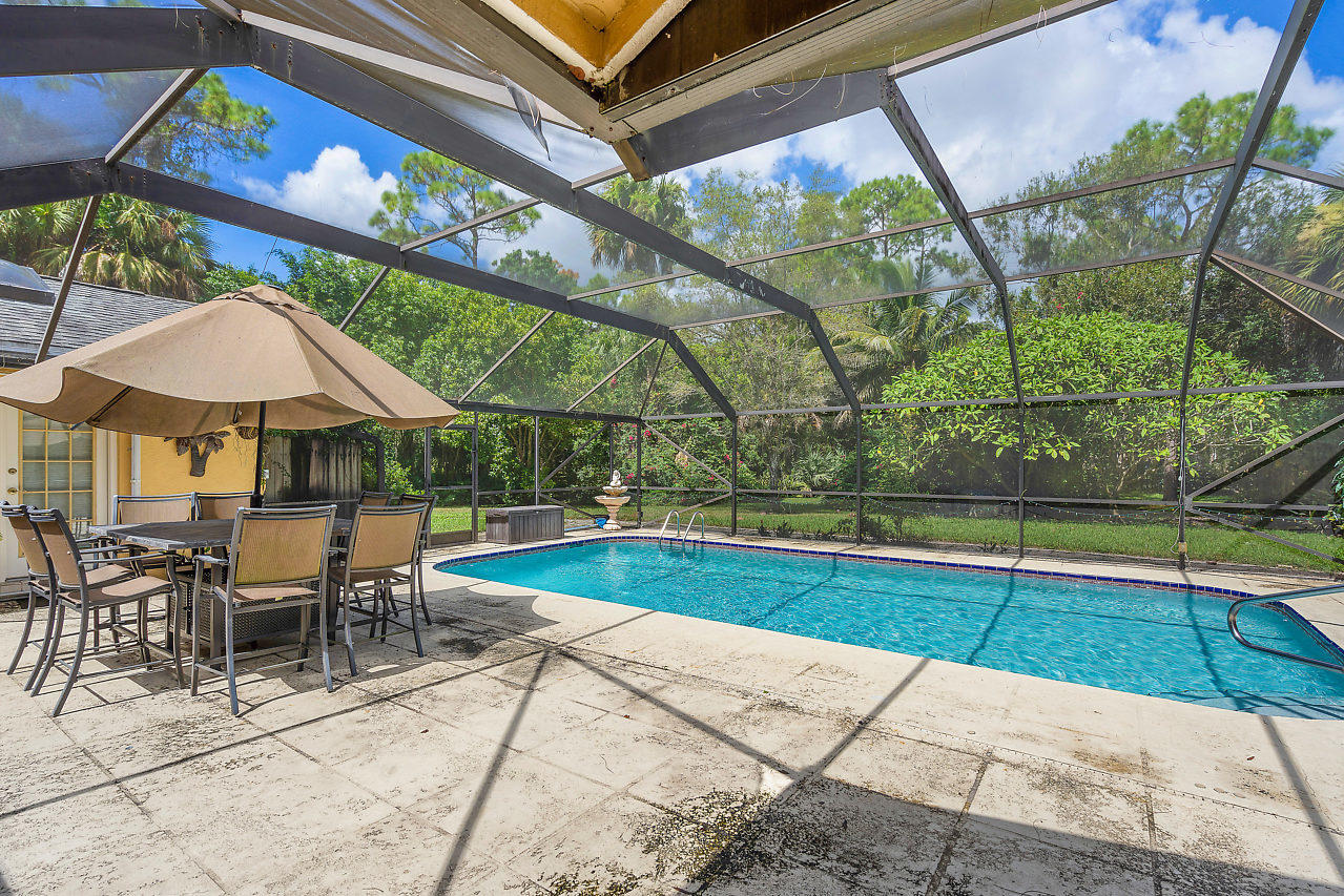 93 Pacer Circle Wellington, FL 33414 photo 12