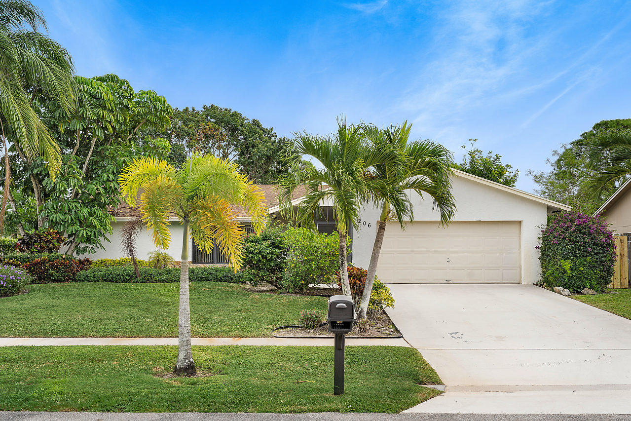 206 Martin Circle Royal Palm Beach, FL 33411 photo 4