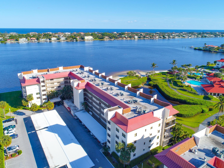 Home for sale in HALF MOON BAY CONDO PH 01 Hypoluxo Florida
