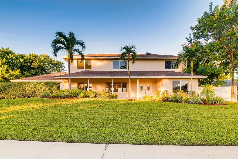 3557 Lakeview. Drive  Delray Beach, FL 33445