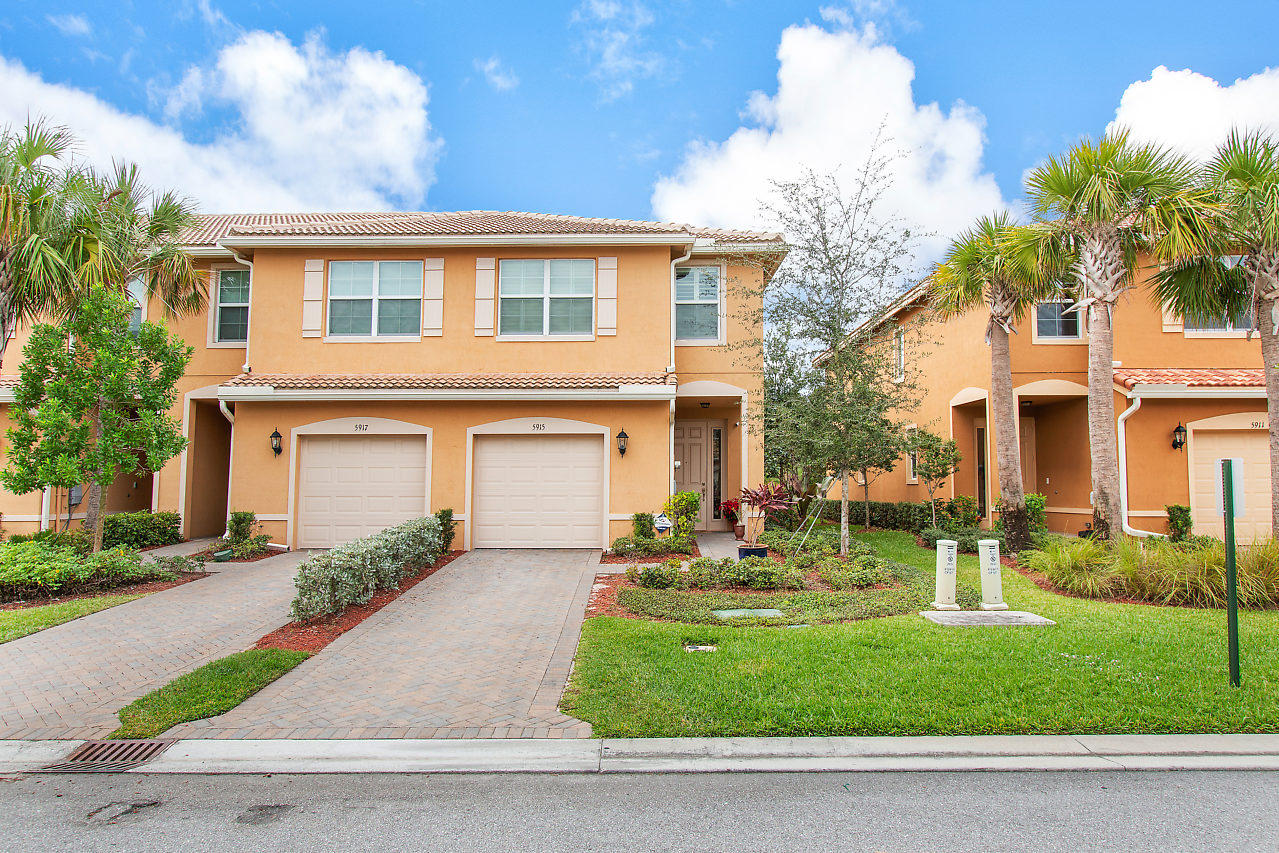 5915 Monterra Club Drive Lake Worth, FL 33463