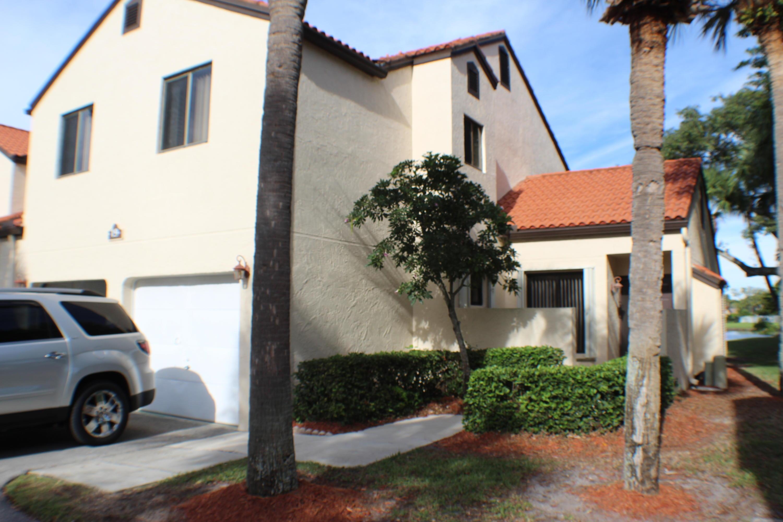 Home for sale in SOUTH LAKE CONDO Boynton Beach Florida