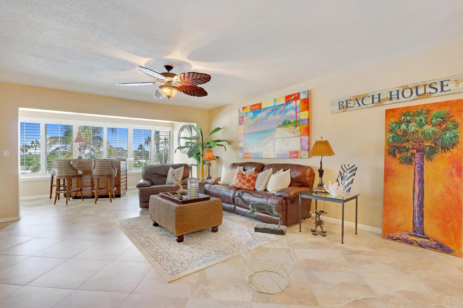 325 Beach Road 304, Jupiter, Florida 33469, 2 Bedrooms Bedrooms, ,2 BathroomsBathrooms,A,Condominium,Beach,RX-10484621