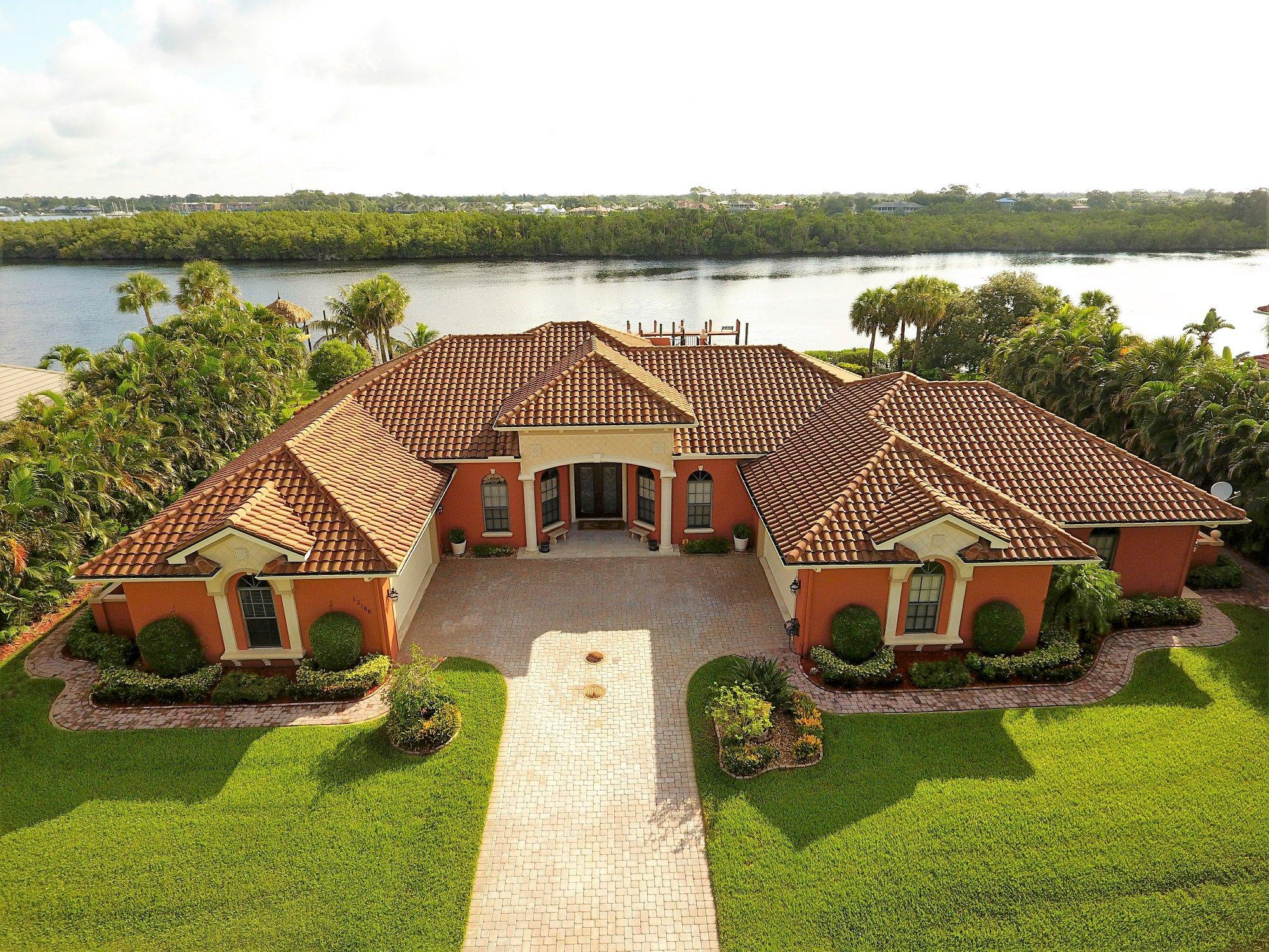 12188  Riverbend Lane, Port Saint Lucie, Florida