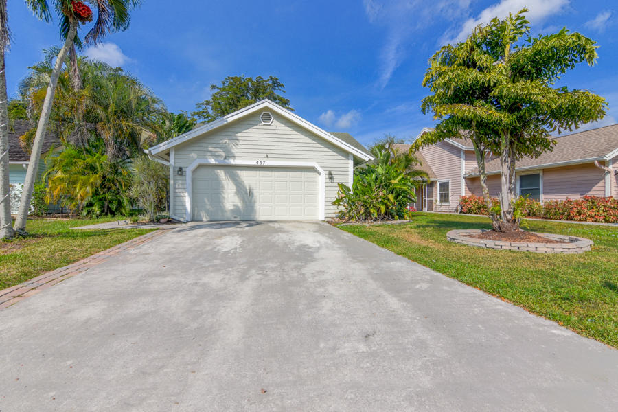 457 Golden Wood Way Wellington, FL 33414