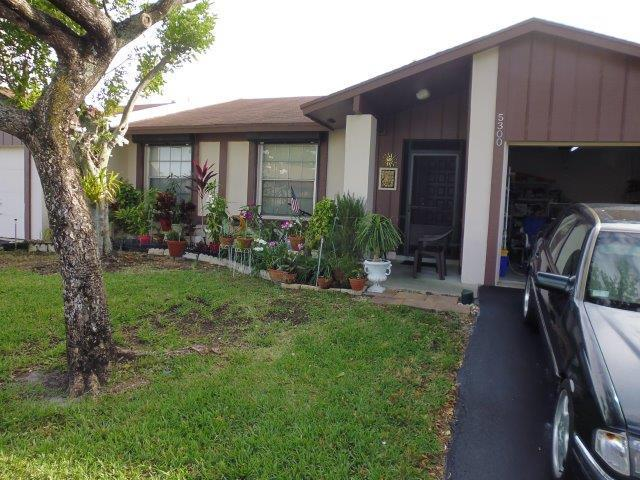 5300 Breadfruit Circle  Delray Beach, FL 33484