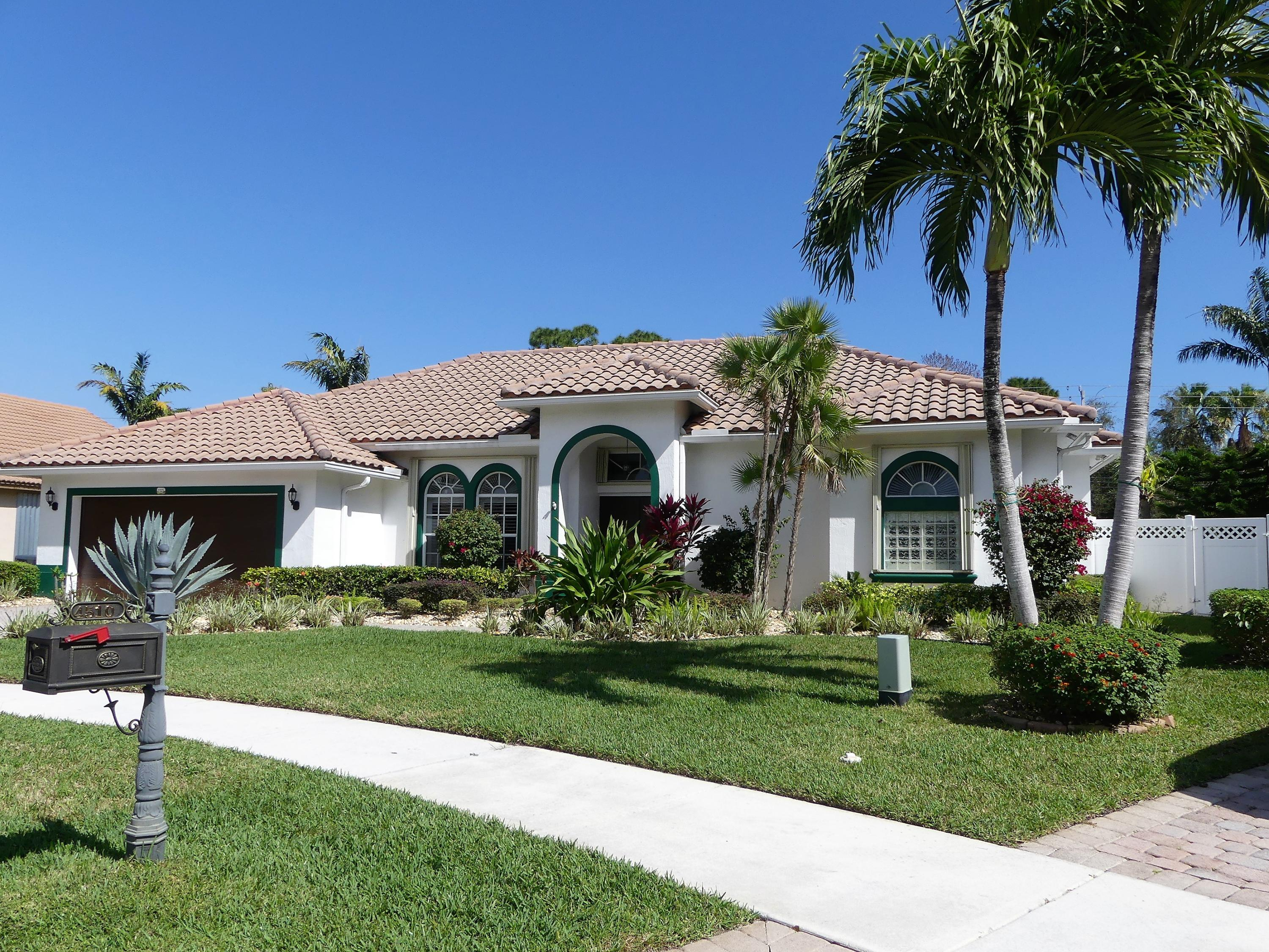 1325 E Barwick Ranch Circle  Delray Beach, FL 33445