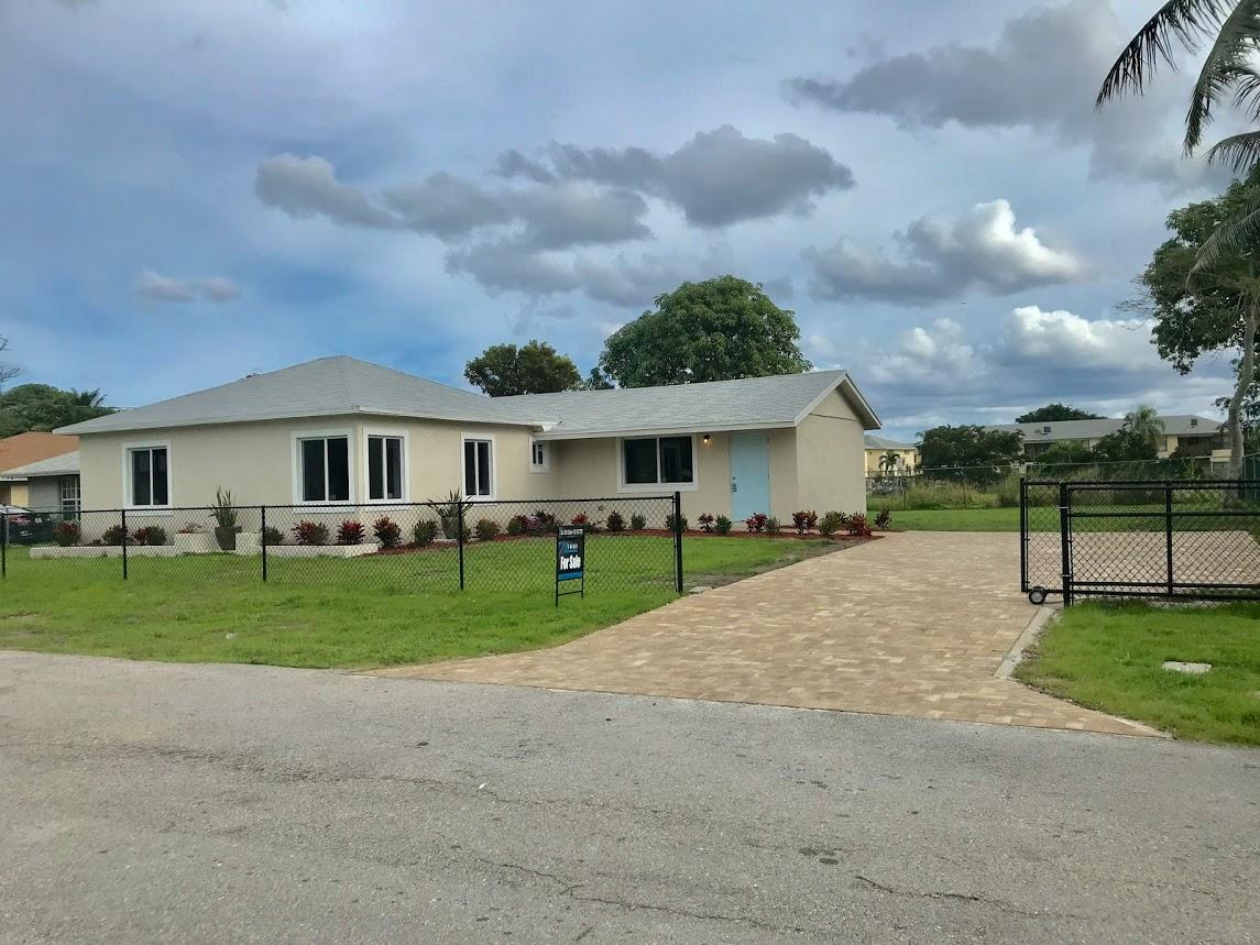 530 Southridge Road  Delray Beach, FL 33444