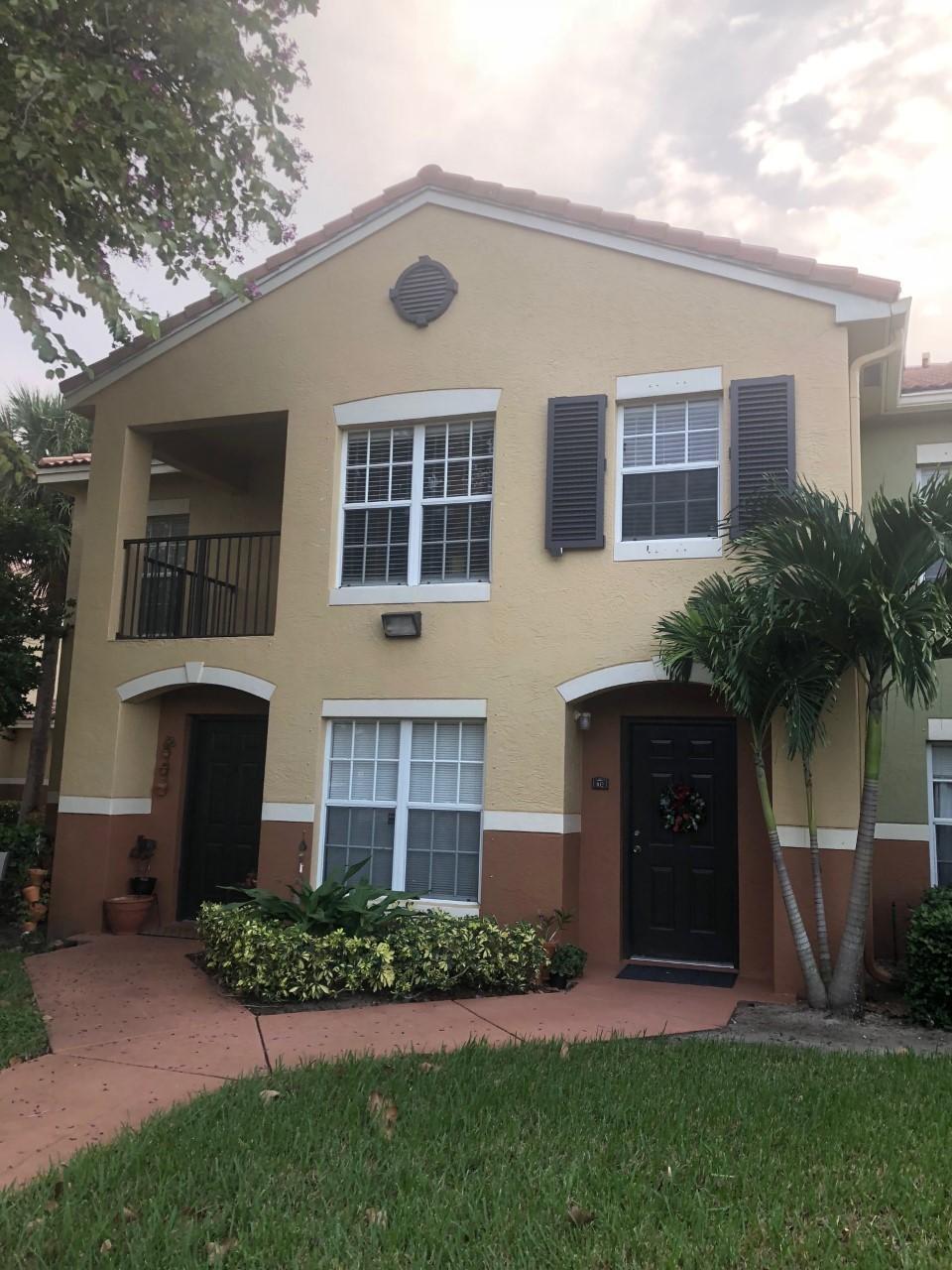 10276 S Fox Trail Road 102 Royal Palm Beach, FL 33411