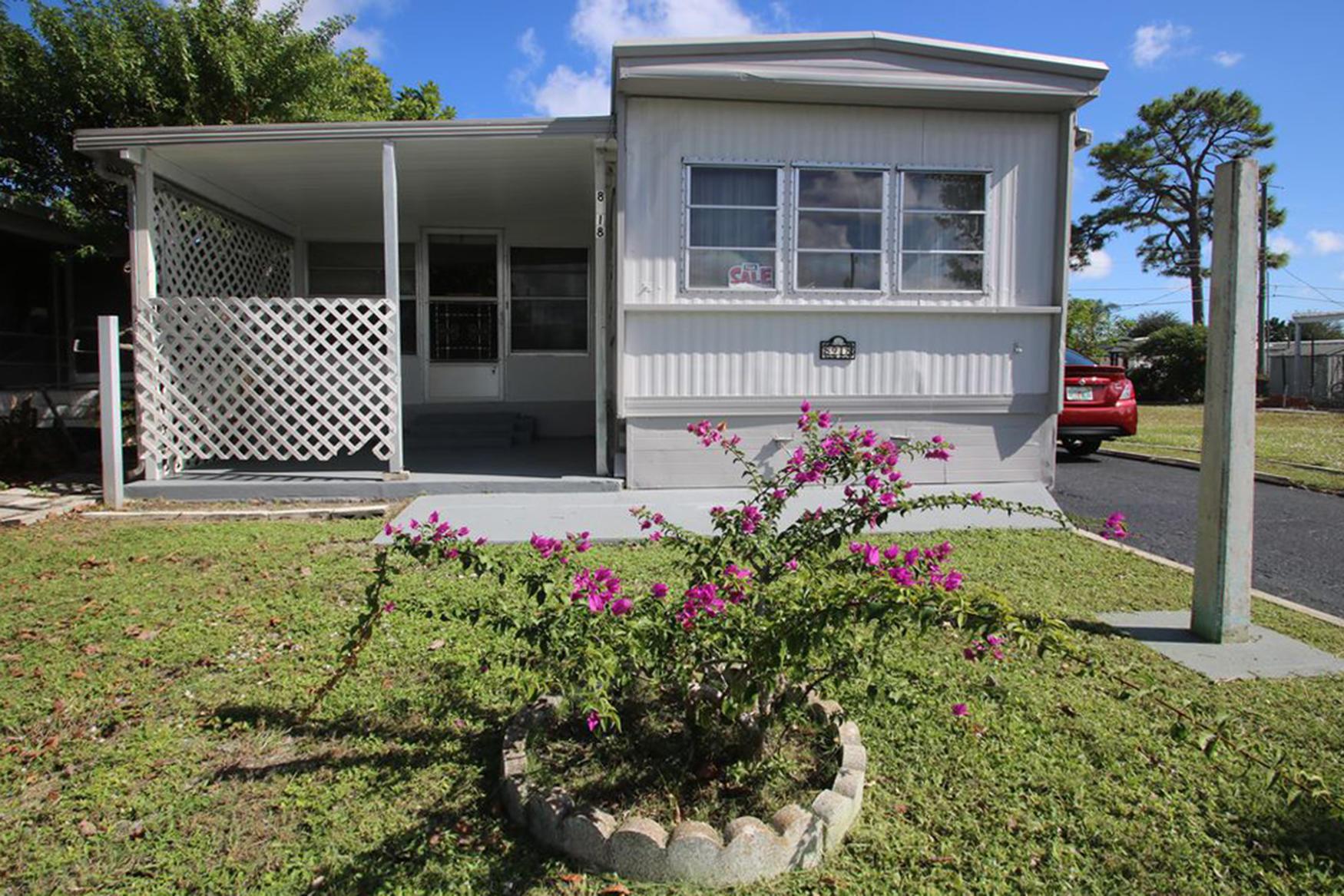 PINE GROVE VILLAGE home 8918 Oak Street Boynton Beach FL 33436