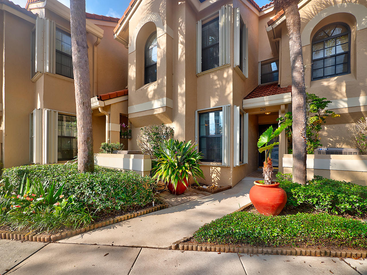 Photo of 2379 Treasure Isle Drive #26 W 25' Dock, Palm Beach Gardens, FL 33410