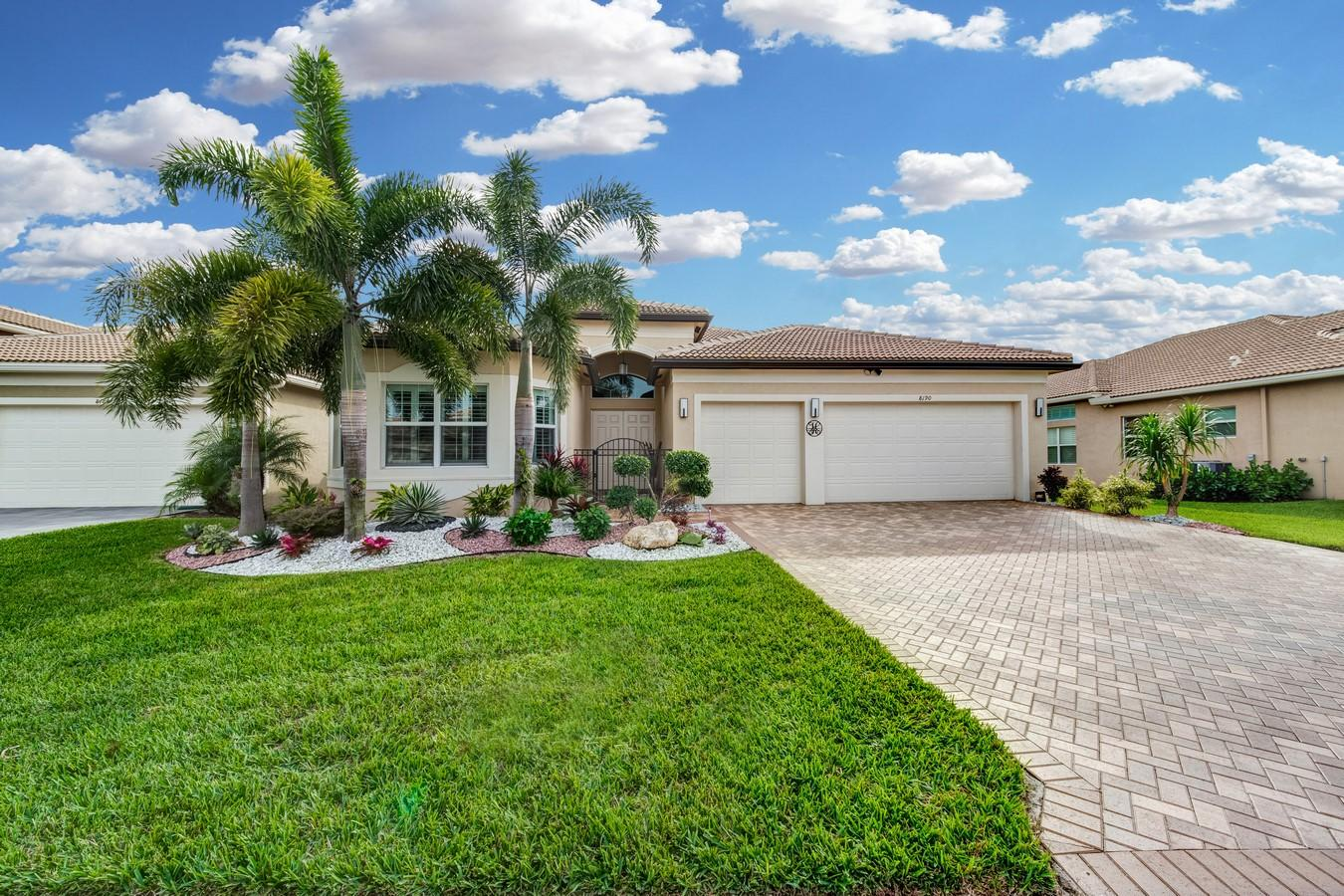 8190 Alpine Ridge Road Boynton Beach, FL 33473 photo 2