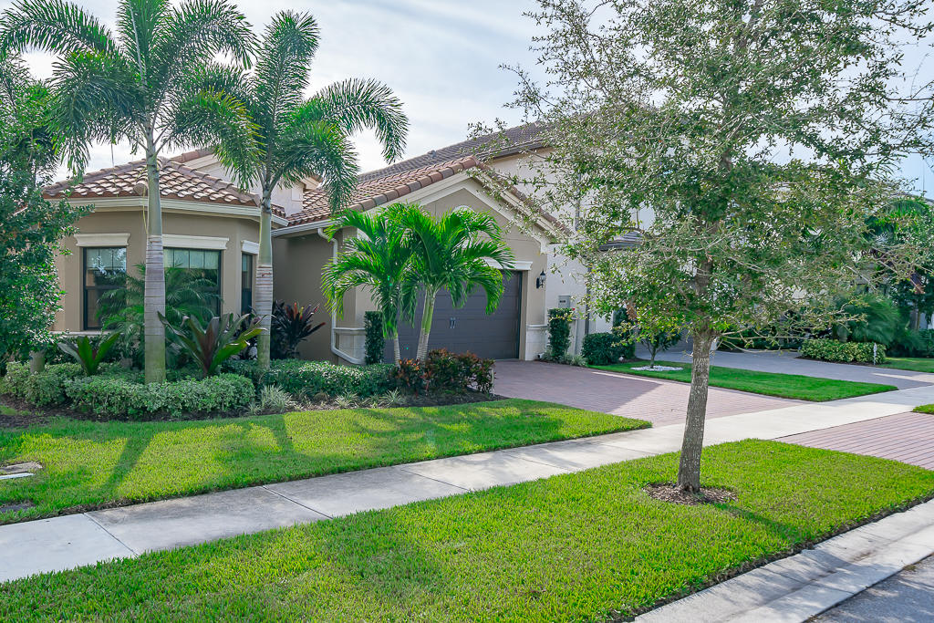 9518 Eden Roc Court  Delray Beach, FL 33446