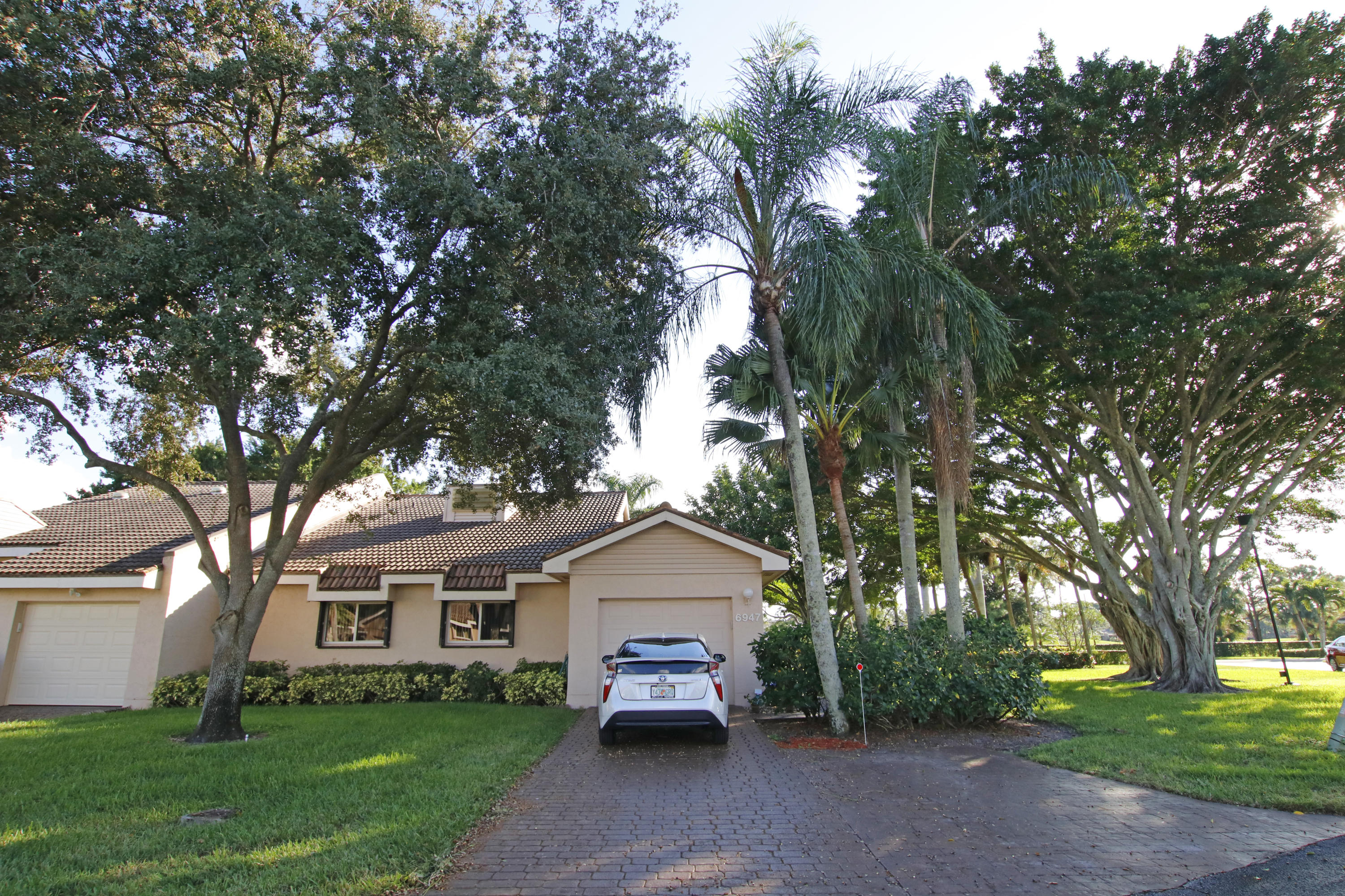 6947 Fountains Circle Lake Worth, FL 33467