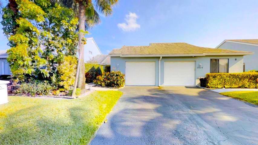 3981 Island Club Circle Lake Worth, FL 33462