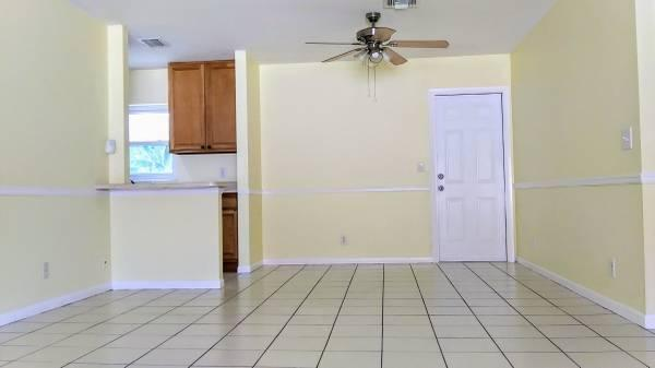 6677 1st Street Jupiter, FL 33458 photo 2
