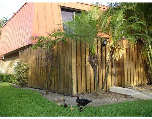 3321 S Meridian Way A  Palm Beach Gardens FL 33410