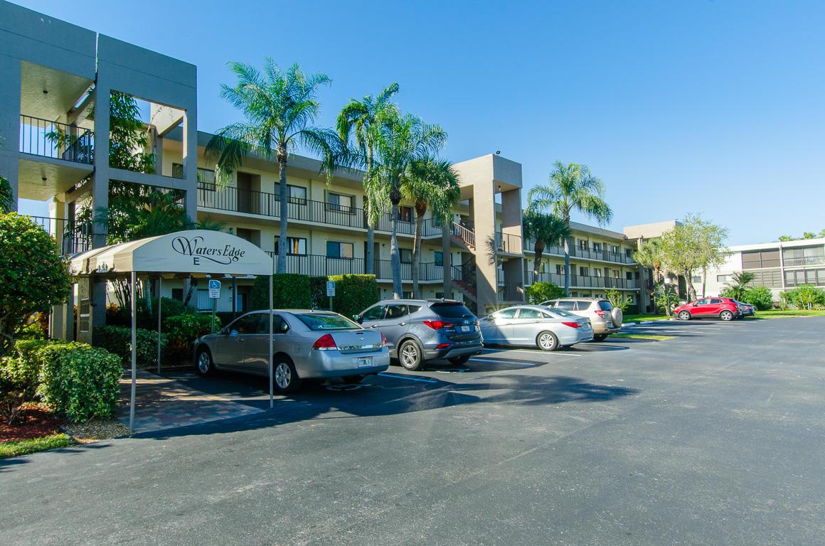 5550 Witney Drive 310  Delray Beach, FL 33484
