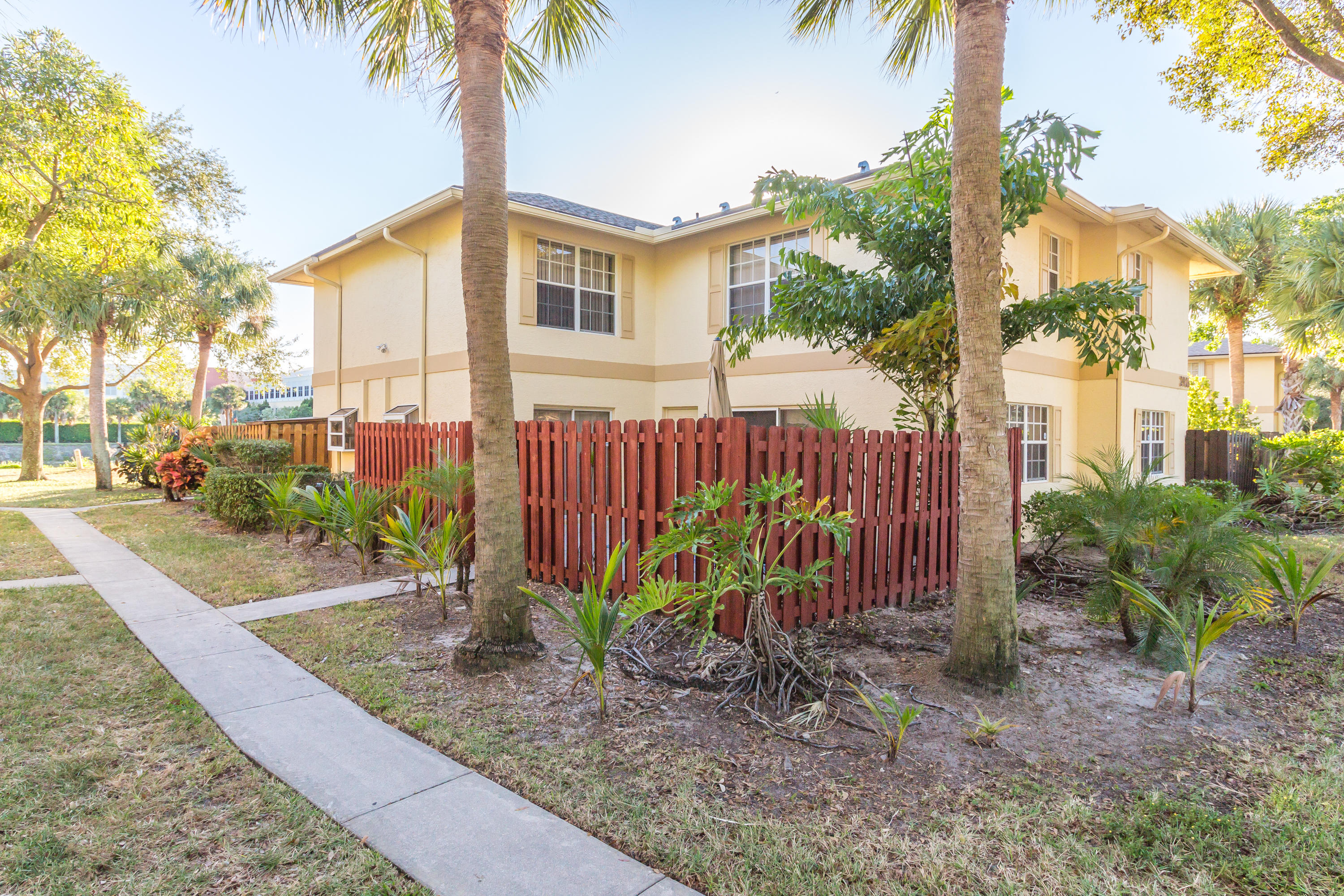 2926 SW 22nd Circle 16c Delray Beach, FL 33445 small photo 1