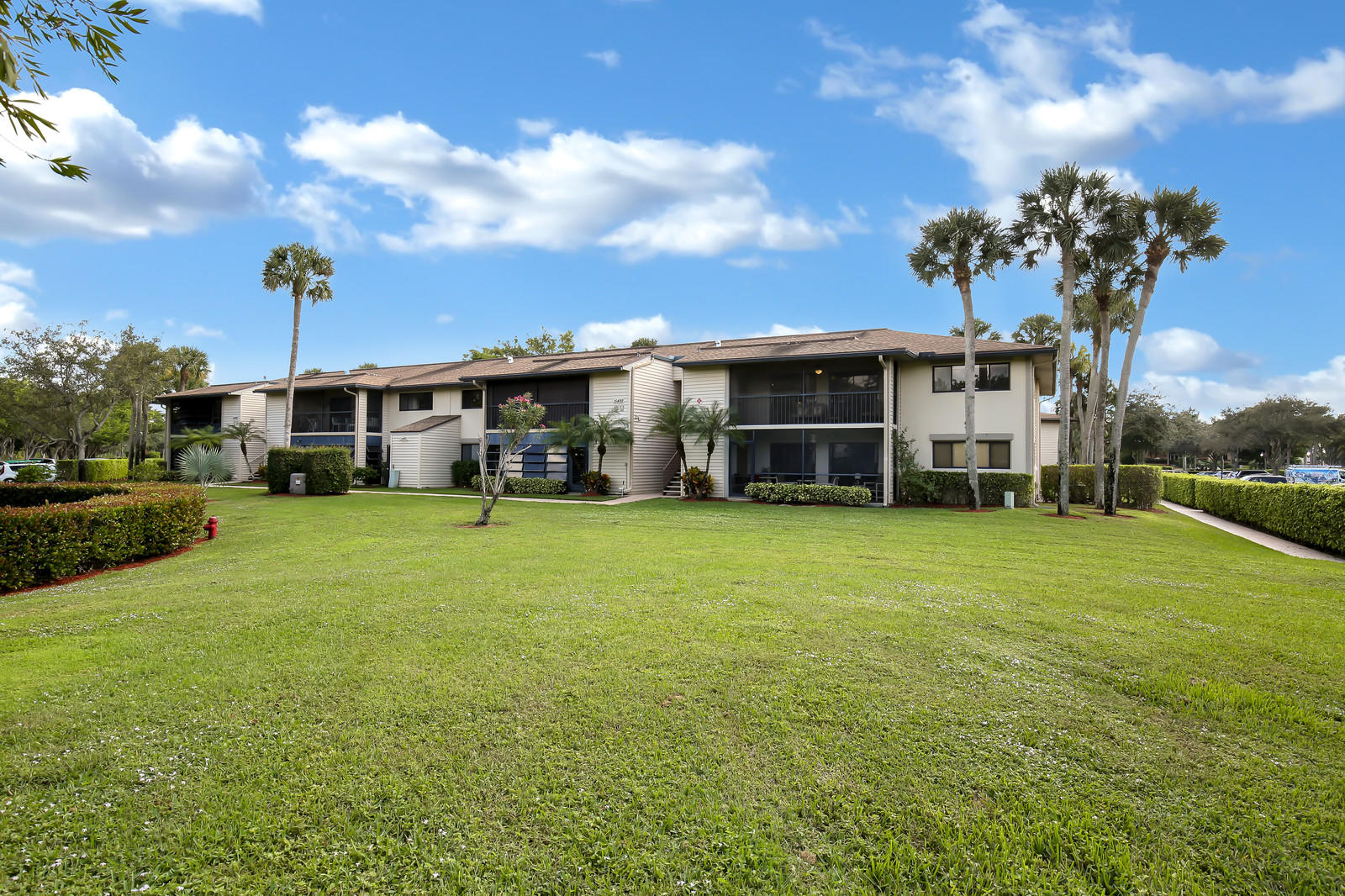 15492 Lakes Of Delray Boulevard 207  Delray Beach, FL 33484