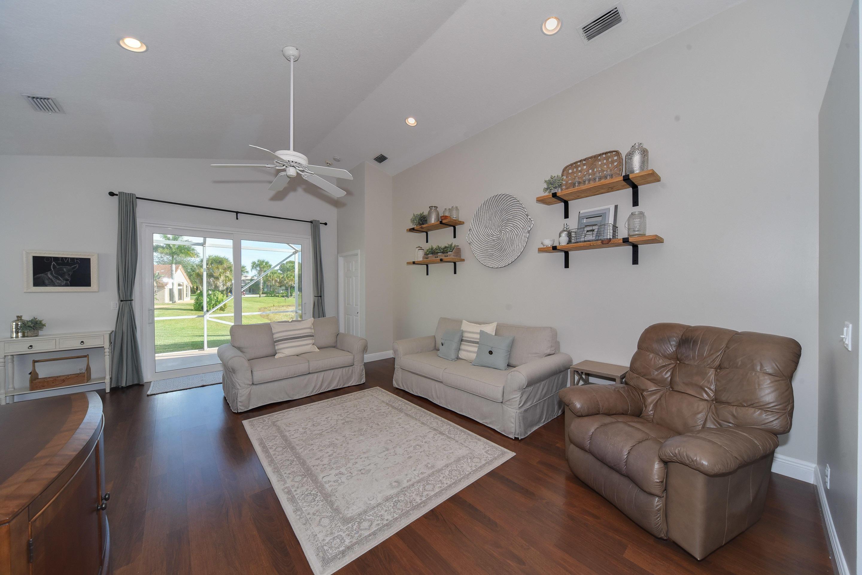 272 Saratoga Boulevard Royal Palm Beach, FL 33411 photo 7