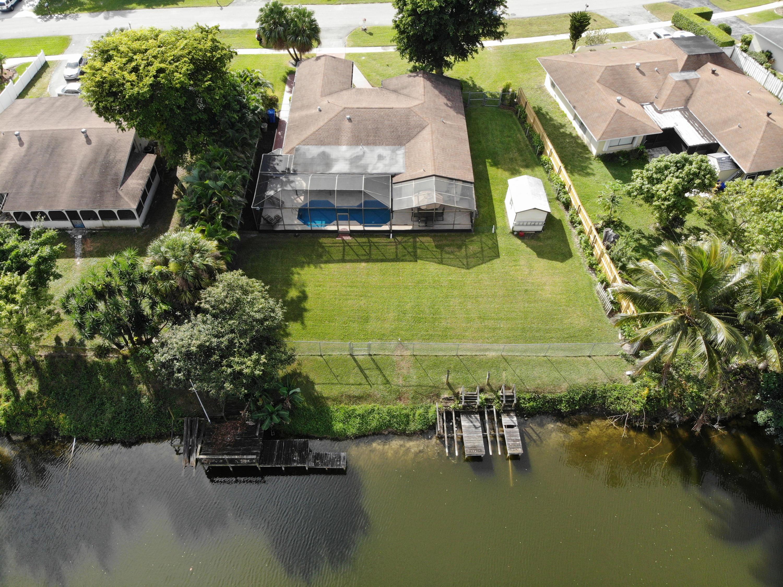 939 Hibiscus Drive Royal Palm Beach, FL 33411