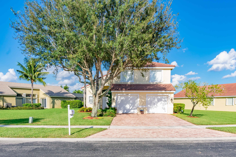 5190 Prairie Dunes Village Circle Lake Worth, FL 33463