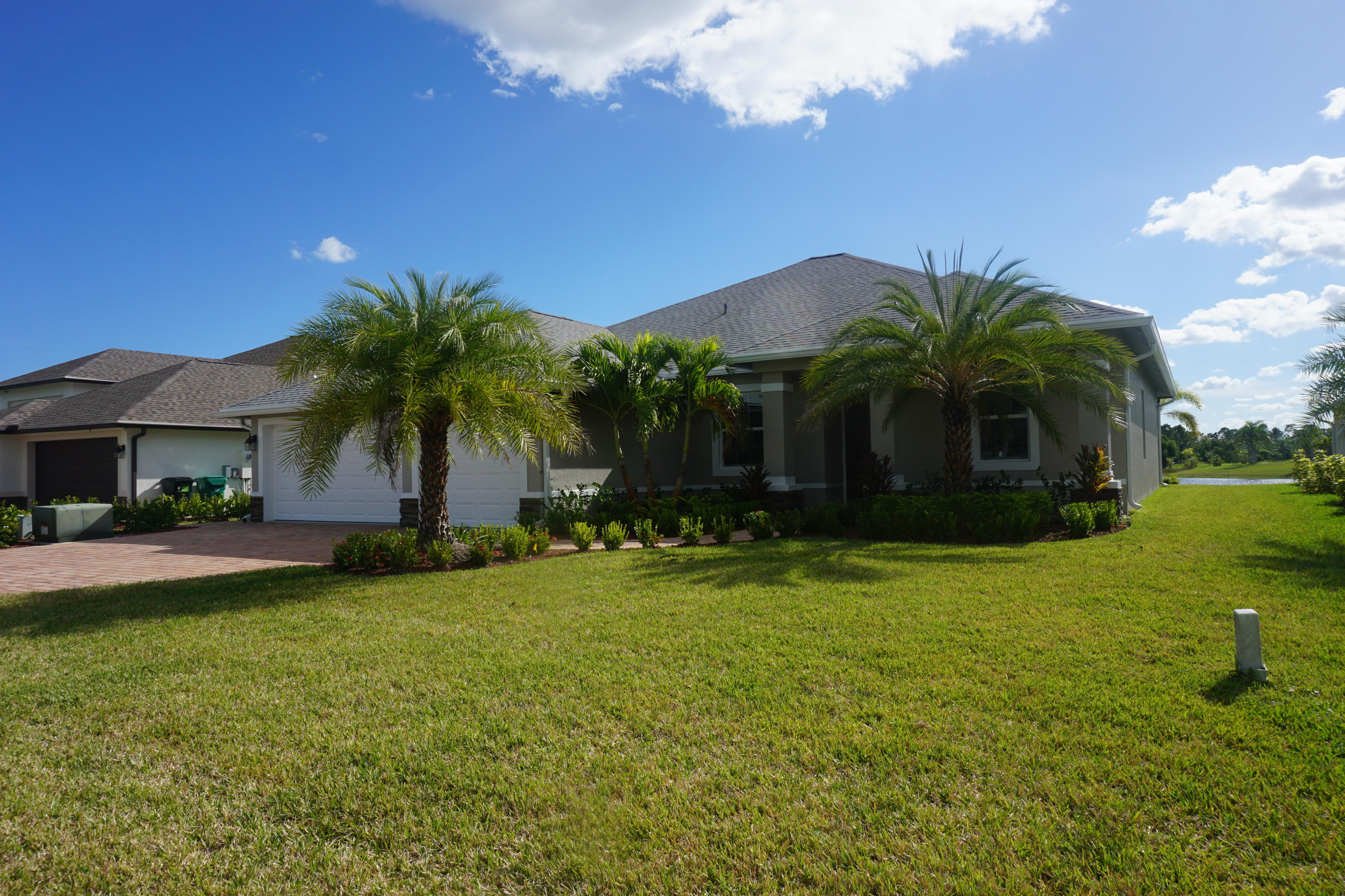 250 SW Vista Lake Drive, Port Saint Lucie, Florida