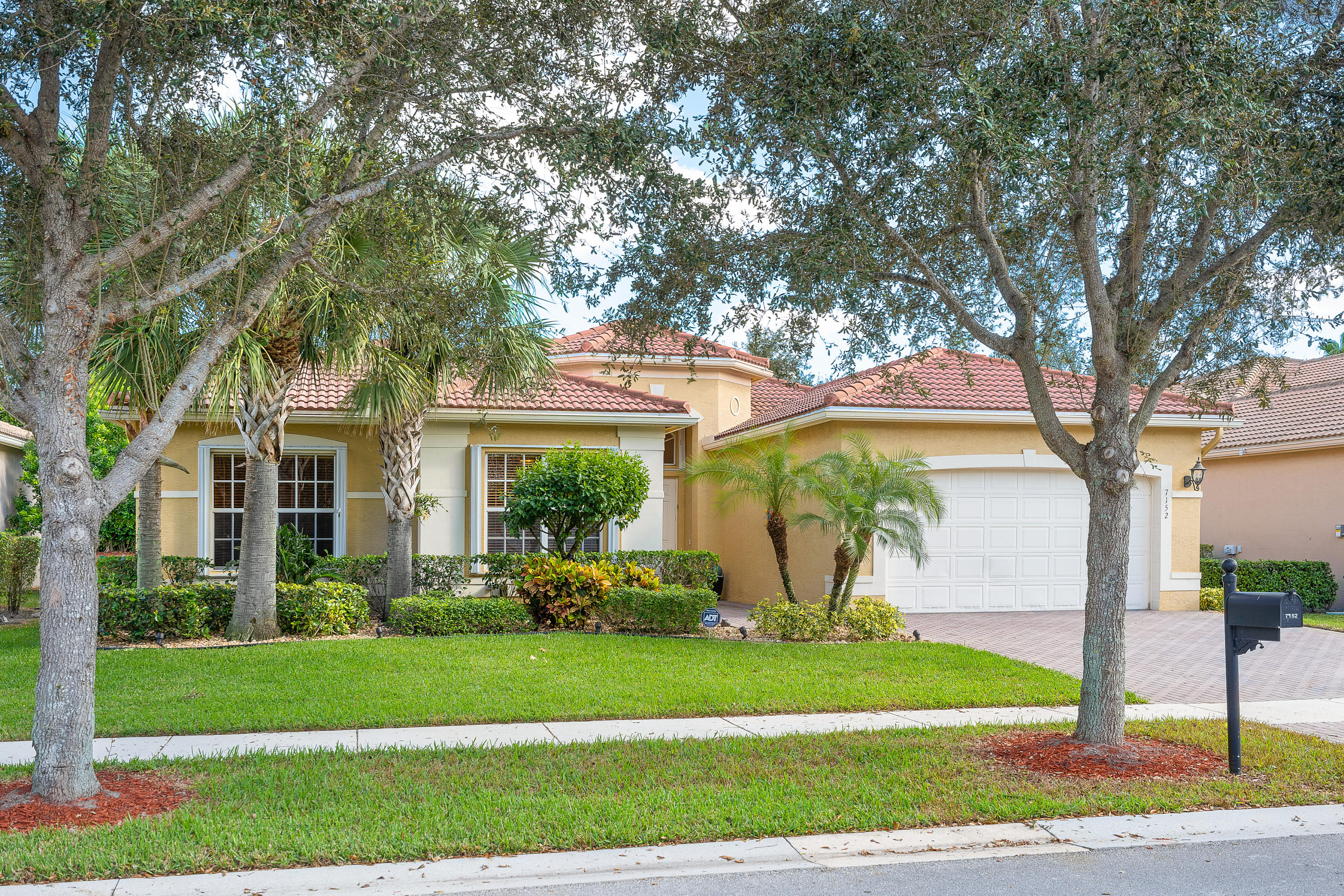 Valencia Pointe home 7152 Corning Circle Boynton Beach FL 33437