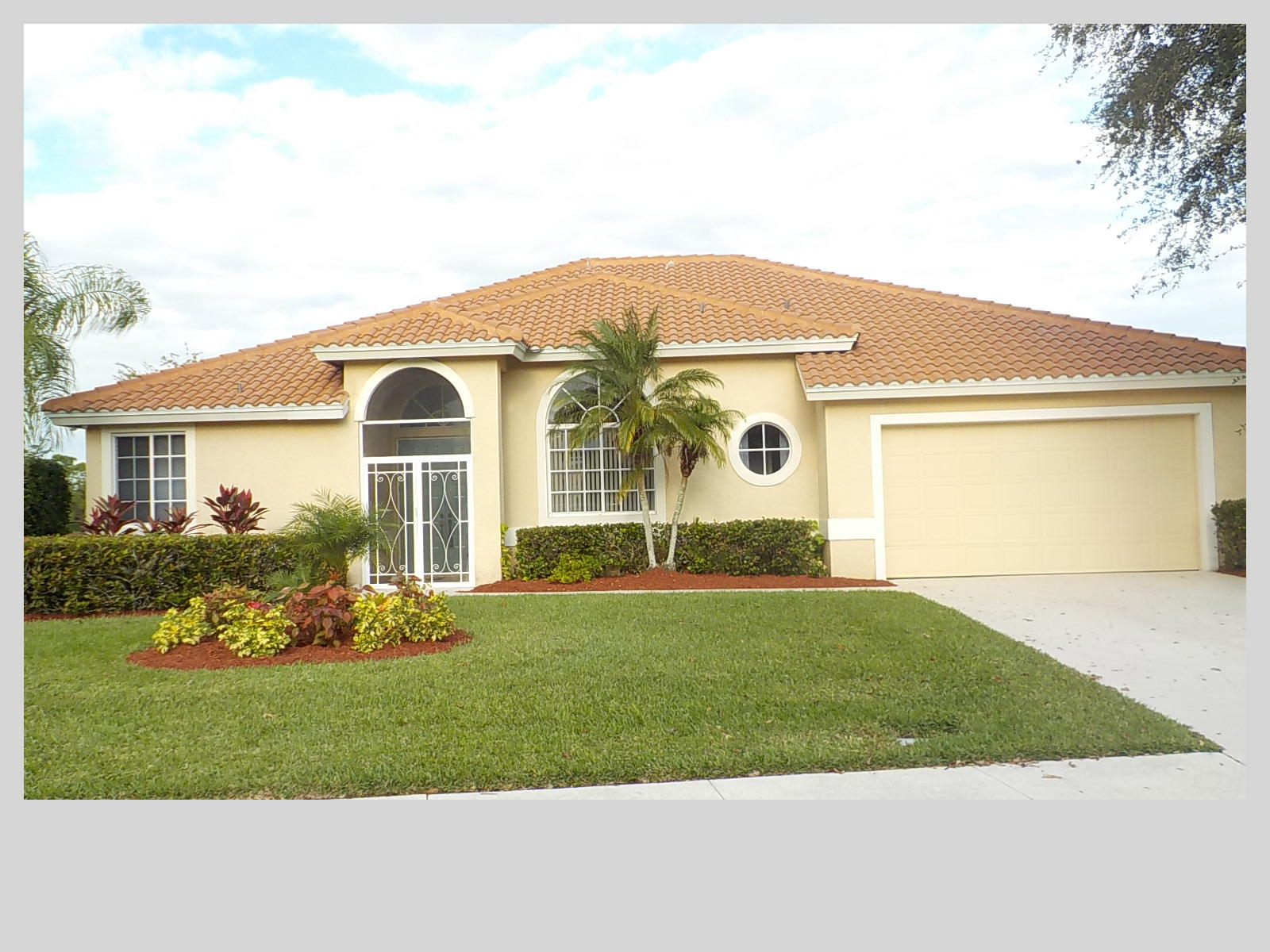 1265 SW Maplewood Drive  Port Saint Lucie FL 34986
