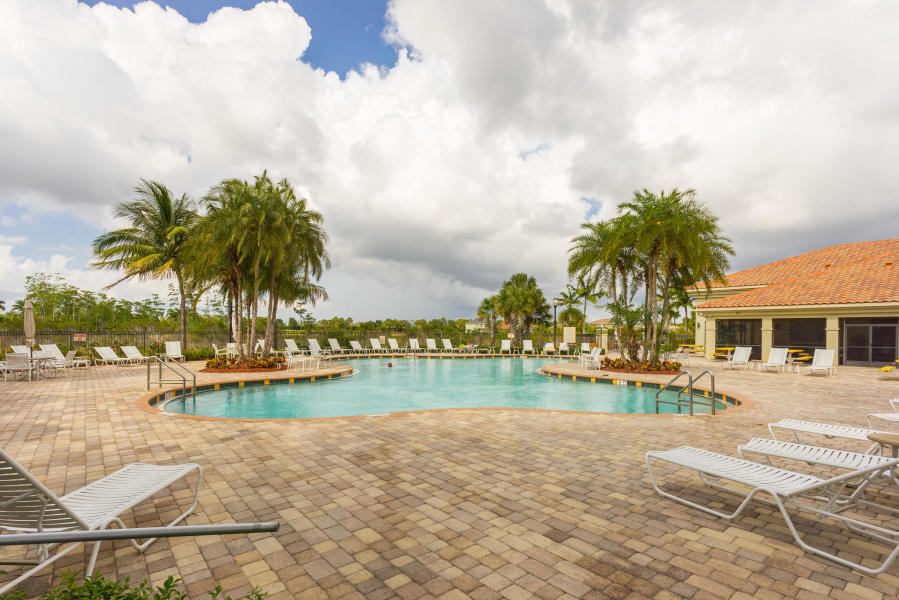 2735 Pienza Circle Royal Palm Beach, FL 33411 photo 25